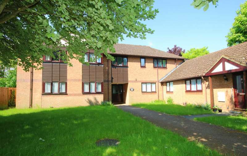 2 Bedrooms Apartment Flat for sale in Stewarts Lodge, Abbots Langley