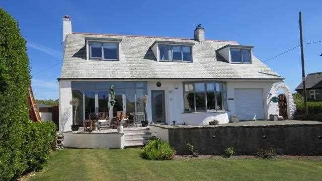 4 Bedrooms Detached House for sale in Penmorfa, Lon St Ffraid, Trearddur Bay