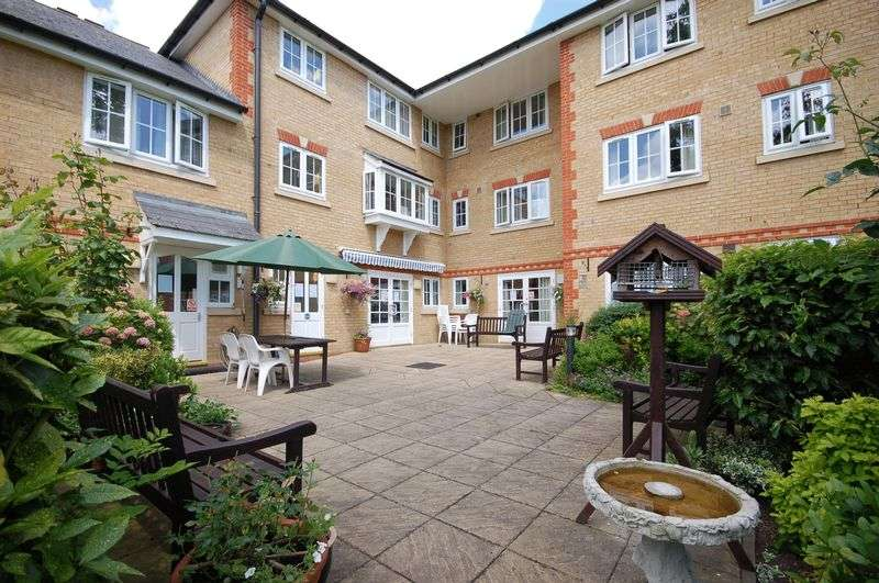 1 Bedroom Property for sale in High Street, Rickmansworth, WD3