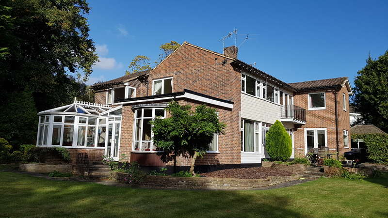 5 Bedrooms Detached House for sale in Duncroft Close, Reigate