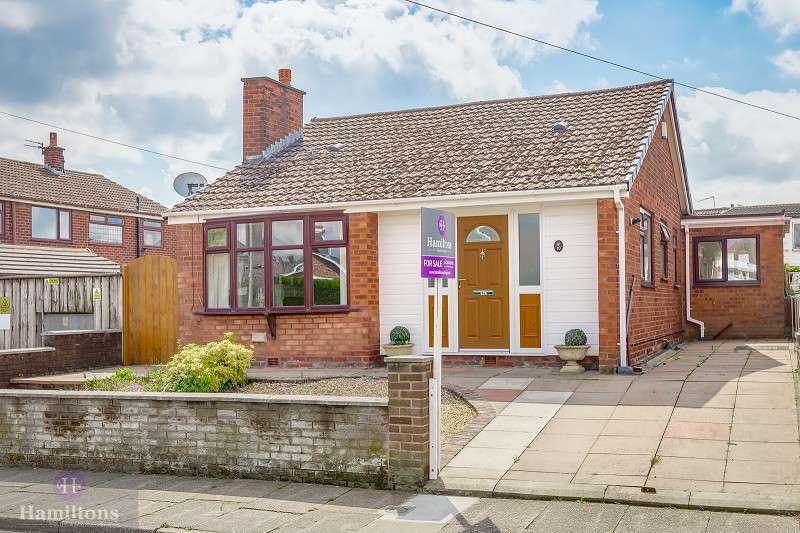 3 Bedrooms Detached Bungalow for sale in Arundel Drive, Leigh, Greater Manchester. WN7 1PX