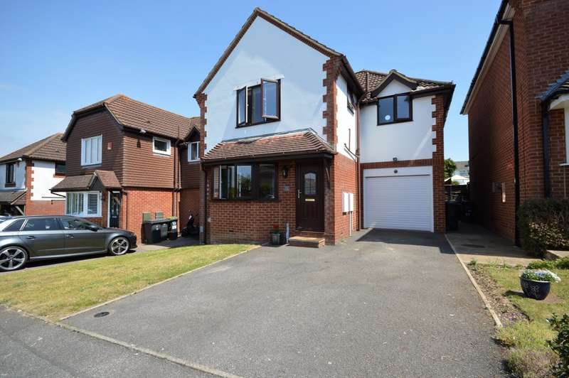 4 Bedrooms Detached House for sale in Saxonhurst Gardens, Bournemouth