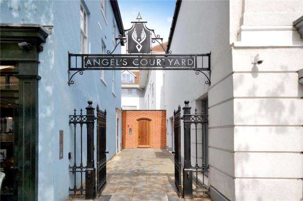 2 Bedrooms Apartment Flat for sale in Angels Courtyard, 134 High Street, Colchester