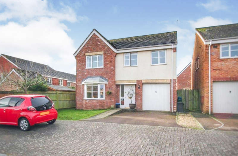 4 Bedrooms Detached House for sale in Kingswood Road, Monmouth