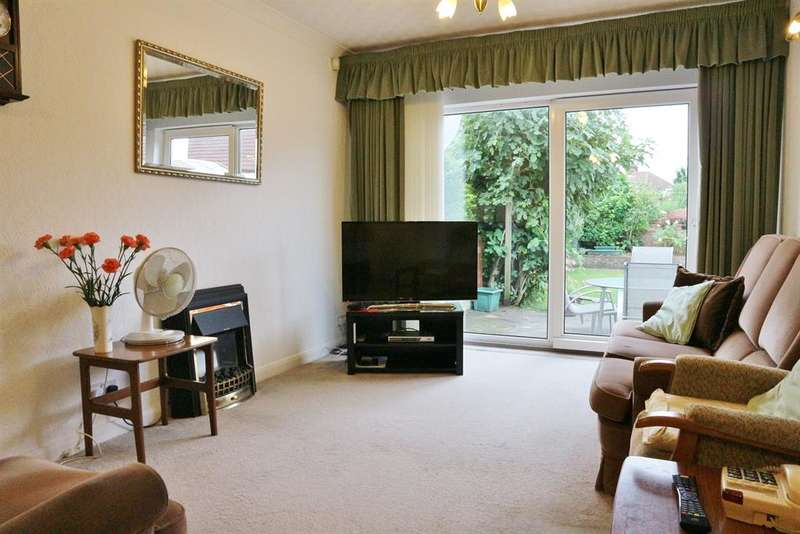 4 Bedrooms Semi Detached Bungalow for sale in Belmont Road, Northumberland Heath, Kent, DA8 1LE