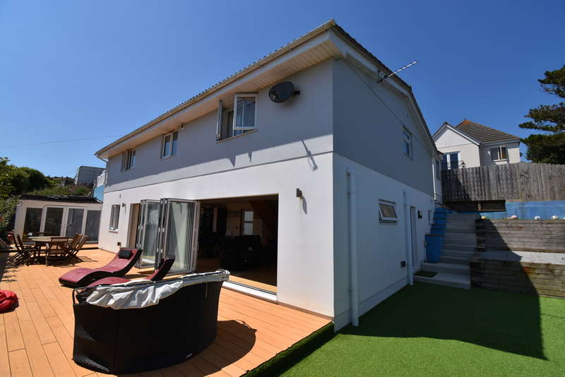 4 Bedrooms Detached House for sale in Fuller Road, Perranporth