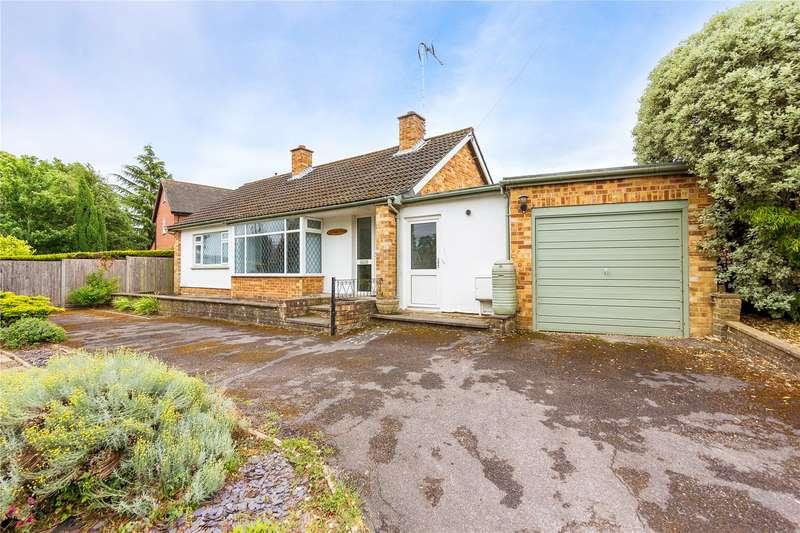 2 Bedrooms Detached Bungalow for sale in East Drive, Sawbridgeworth, Hertfordshire, CM21