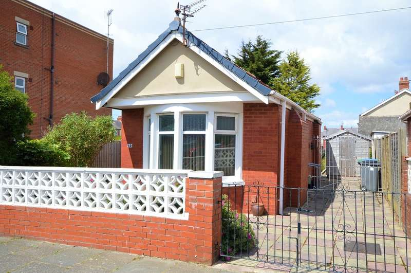 2 Bedrooms Detached Bungalow for sale in Harcourt Road, South Shore
