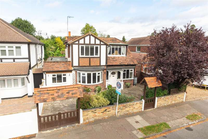 3 Bedrooms Detached House for sale in Darby Crescent, Sunbury-On-Thames