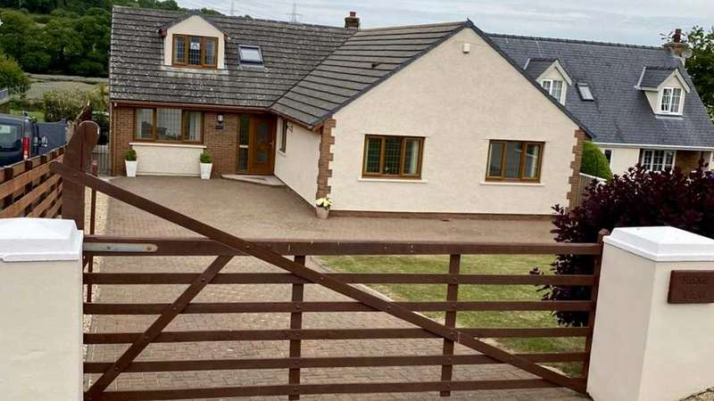 4 Bedrooms Bungalow for sale in Ridge View, India Row, PEMBROKE