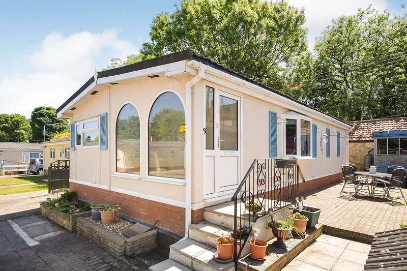 2 Bedrooms Park Home Mobile Home for sale in Stone Valley Court, Waddington, Lincoln, Lincolnshire, LN5