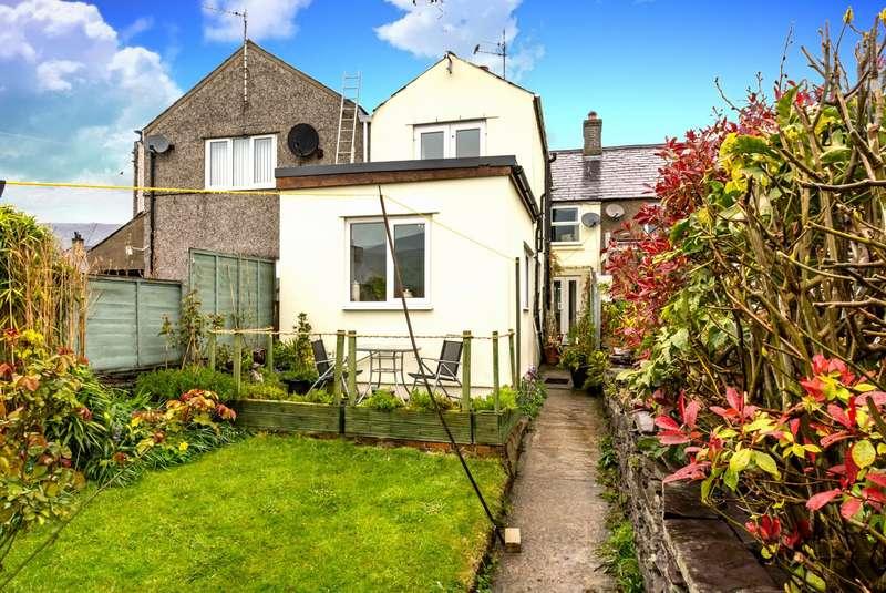 4 Bedrooms Terraced House for sale in Bala Deulyn Terrace, Nantlle, Caernarfon, LL54