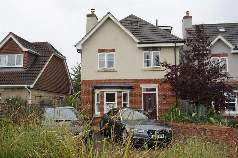 4 Bedrooms Detached House for sale in Holt, Trowbridge