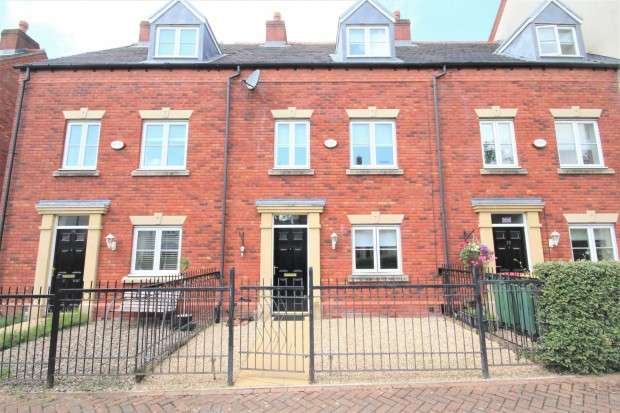 3 Bedrooms Terraced House for sale in Middleton Road, Preston, PR2