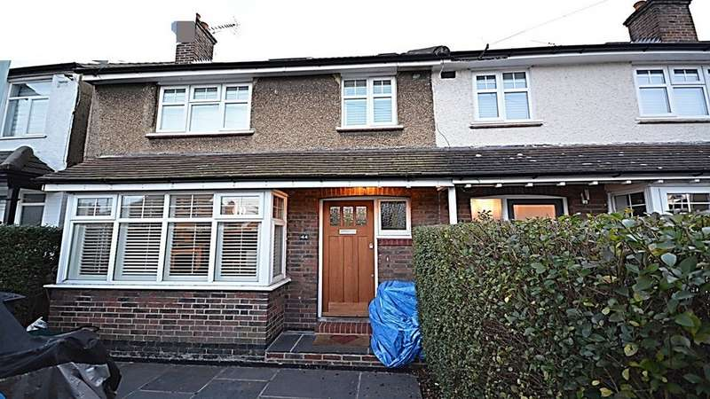 3 Bedrooms Property for rent in Tankerton Road, Surbiton KT6