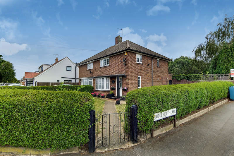 3 Bedrooms Semi Detached House for sale in Princes Park Lane, Hayes, UB3