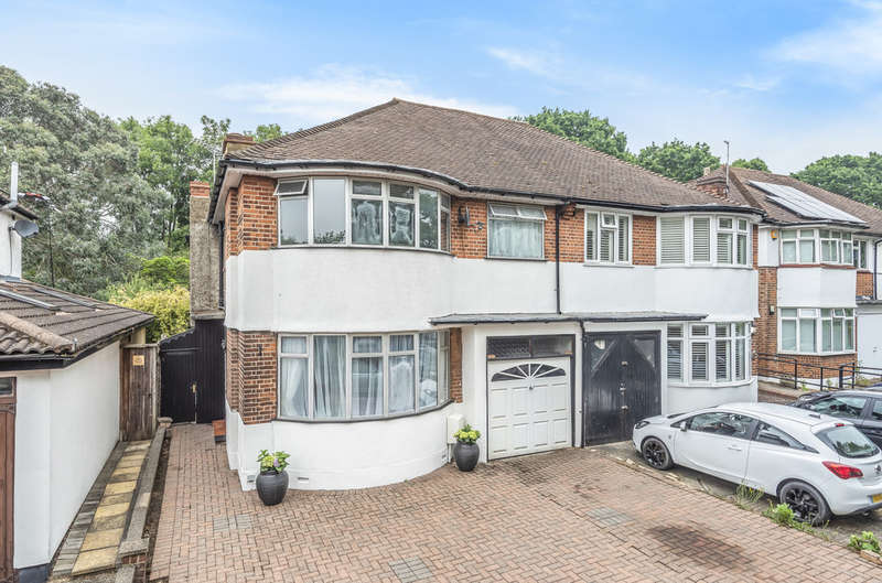 4 Bedrooms Semi Detached House for sale in Sidcup Road, London, SE9