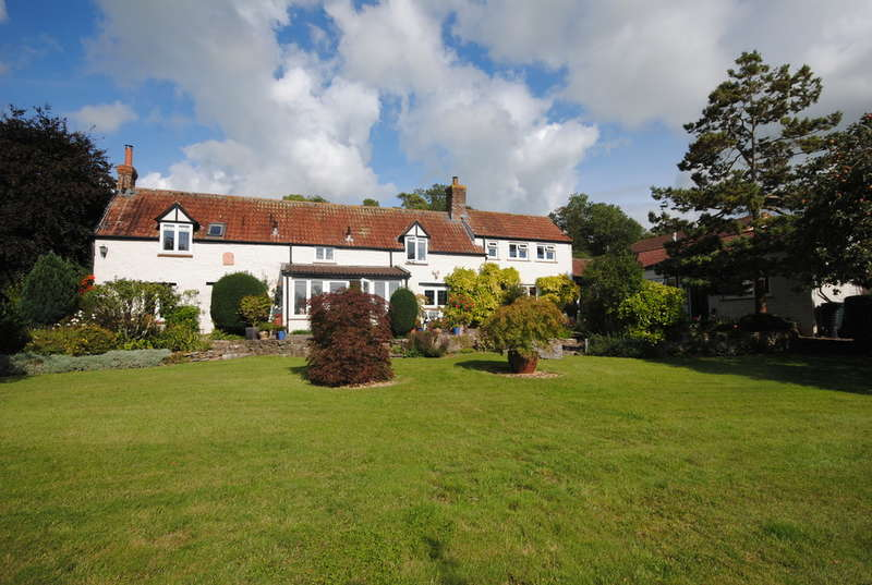 5 Bedrooms Detached House for sale in Wells Road, Draycott