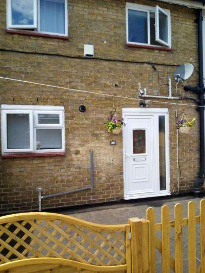 3 Bedrooms Maisonette Flat for sale in Hornchurch