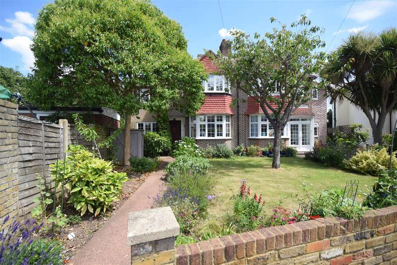 4 Bedrooms Semi Detached House for sale in Hereford Gardens, Twickenham