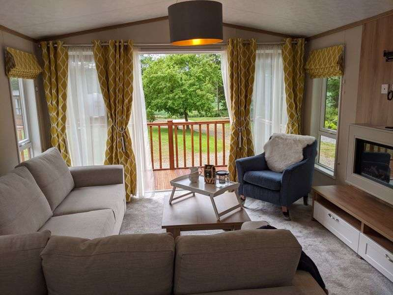 2 Bedrooms Property for sale in R17; Daisy Bank Touring Caravan Park, Montgomery