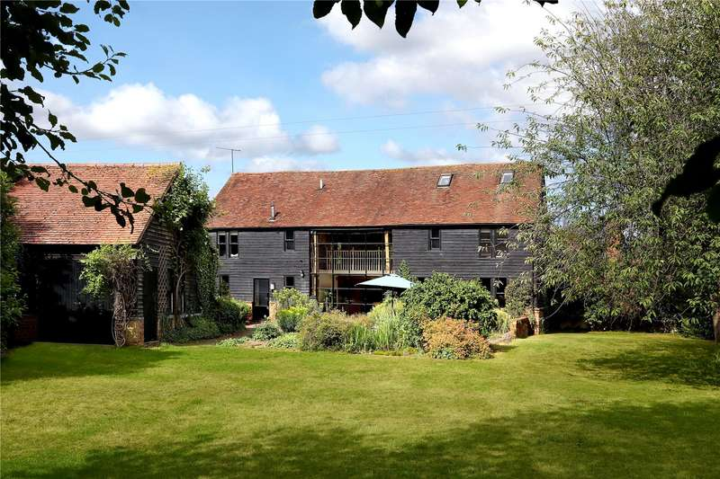 4 Bedrooms Detached House for sale in Wooburn Common Road, Wooburn Green, Buckinghamshire, HP10