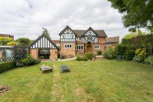 4 Bedrooms Detached House for sale in Argos Hill, Rotherfield, Crowborough, East Sussex