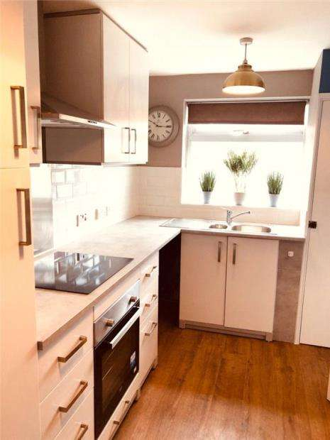 2 Bedrooms Apartment Flat for sale in Churchill Court, Eastney Road, Southsea