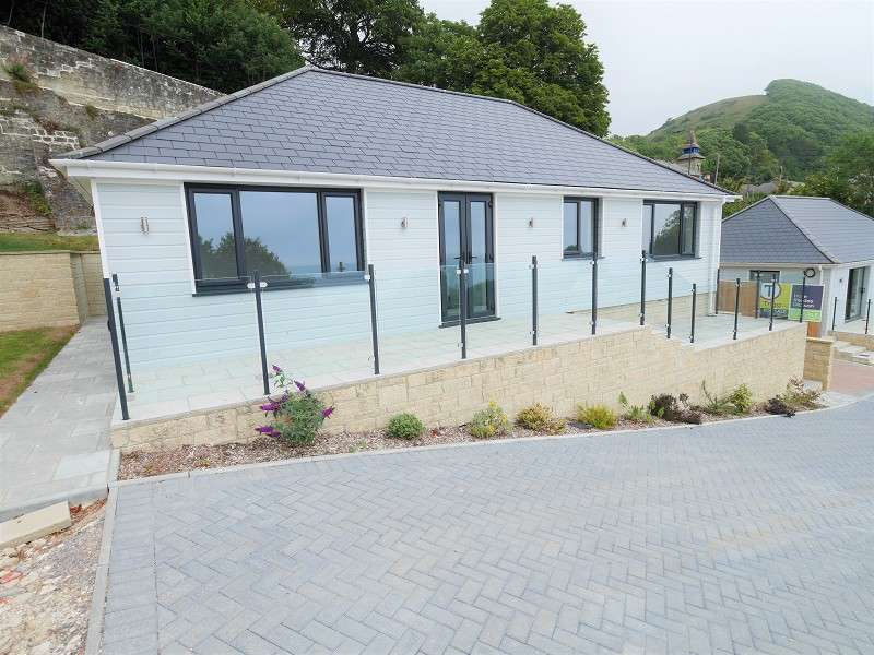 3 Bedrooms Semi Detached Bungalow for sale in Grove Road, Ventnor, Isle Of Wight. PO38 1TS