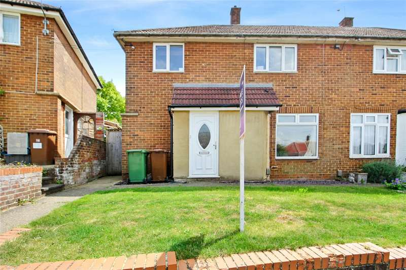 3 Bedrooms Semi Detached House for sale in Pennant Road, Rochester, Kent, ME1