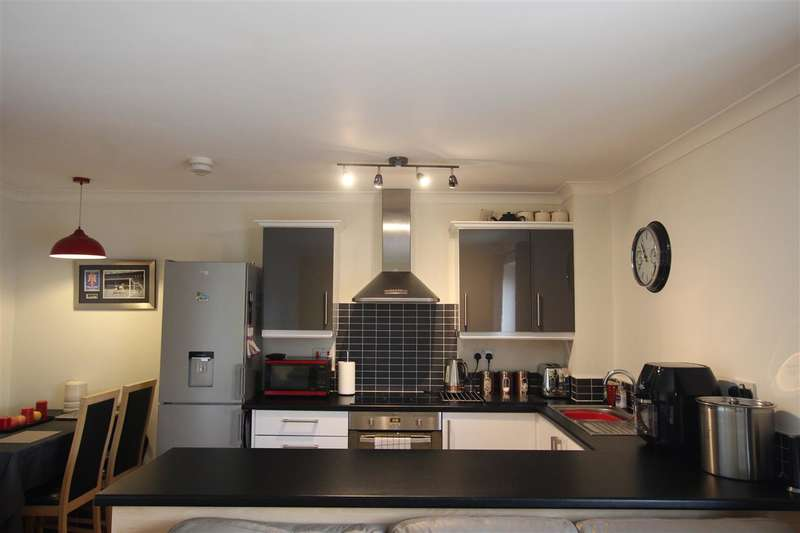 2 Bedrooms Apartment Flat for sale in Kayley House, New Hall Lane, Preston