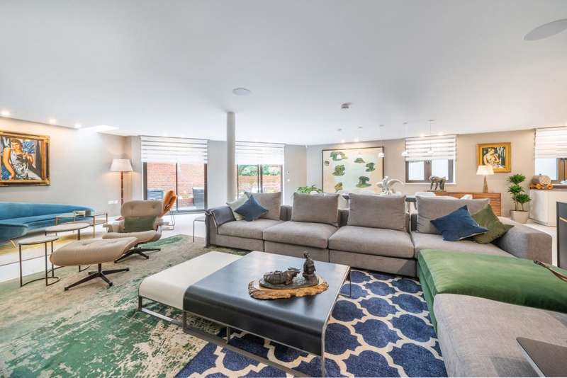 5 Bedrooms Detached House for sale in Well Road Hampstead Village NW3