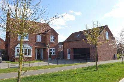 4 Bedrooms Detached House for sale in Rutland Avenue, Waddington, Lincoln, Lincolnshire