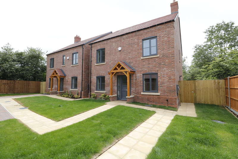 5 Bedrooms Detached House for sale in Saxon Close, Raunstone Grange