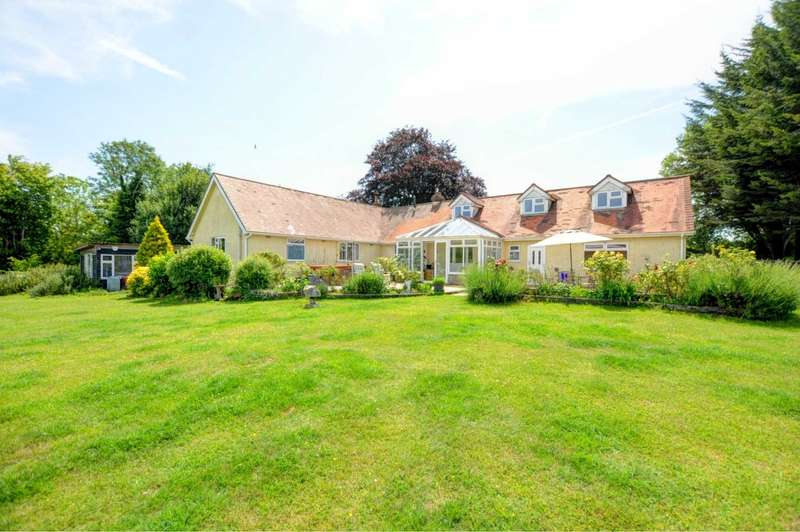 5 Bedrooms Detached House for sale in Park Lane, Stokenhurch