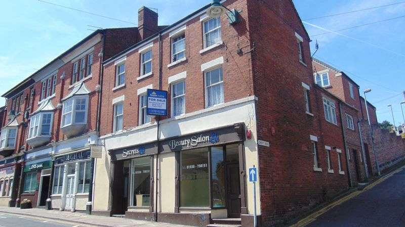 2 Bedrooms Property for rent in Flat 1, 4-6, High Street, Cheadle
