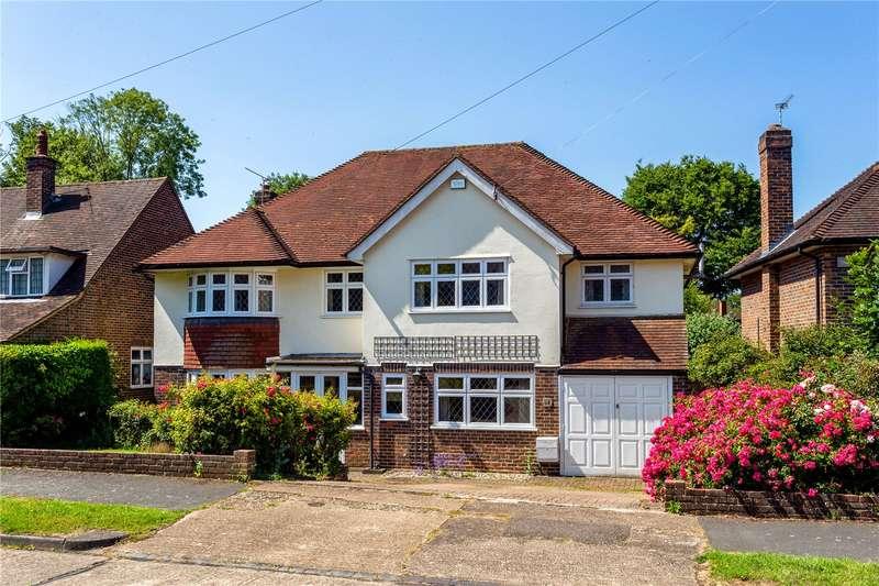5 Bedrooms Detached House for sale in Links Road, Epsom, Surrey, KT17