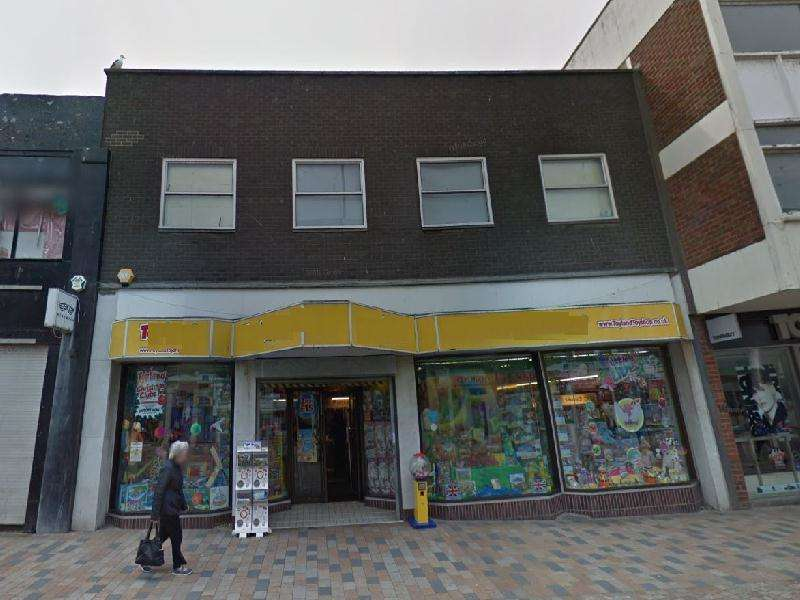Shop Commercial for rent in Birley Street, Blackpool, FY1 1EG