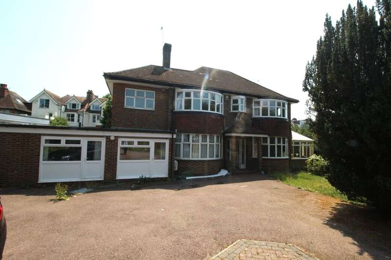 13 Bedrooms Detached House for rent in The Upper Drive, Hove, BN3