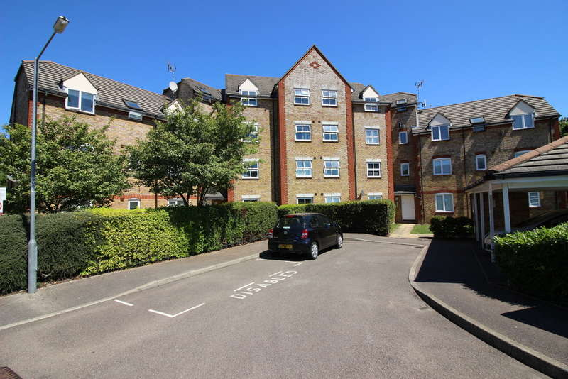 2 Bedrooms Ground Flat for sale in Victoria Gate, Church Langley, Harlow, CM17