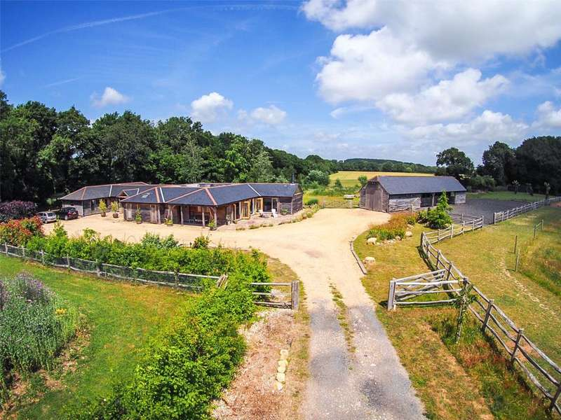 4 Bedrooms Equestrian Facility Character Property for sale in Chapel Lane, Oakwood, Chichester West Sussex, PO18