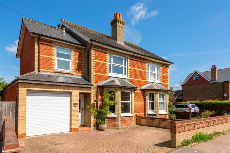 3 Bedrooms Semi Detached House for sale in Lee Street, Horley