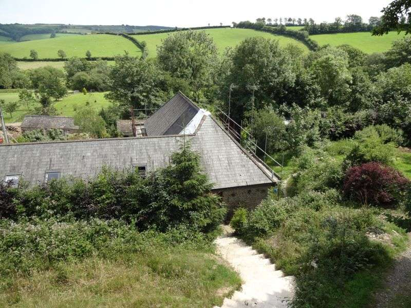 4 Bedrooms Property for sale in WITH PLANNING CONSENT FOR 3 FURTHER UNITS PLUS 10 ACRES