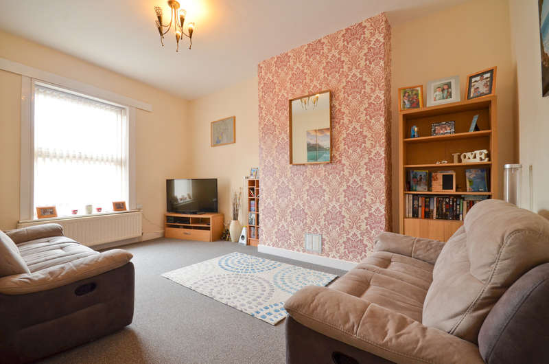 3 Bedrooms Flat for sale in Shanklin, Isle of Wight