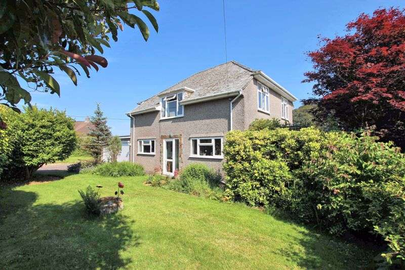 4 Bedrooms Property for sale in FOUR BEDROOM DETACHED HOME WITH LARGE GARDENS - YELVERTON