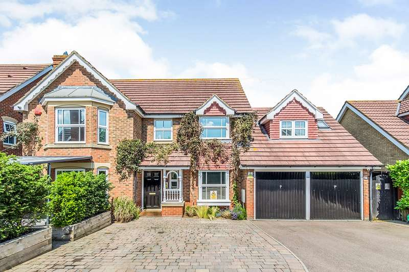 4 Bedrooms Detached House for sale in Grant Road, Wainscott, Rochester, Kent, ME3