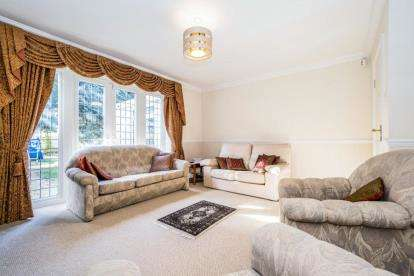 6 Bedrooms Detached House for sale in Hornchurch