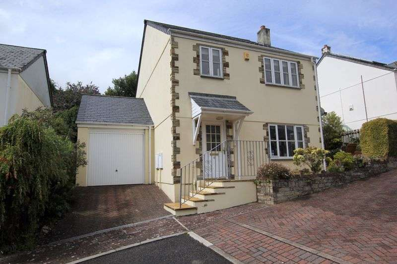 5 Bedrooms Property for sale in The Brambles, Lostwithiel