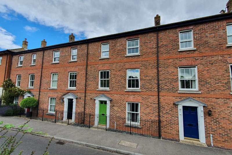 4 Bedrooms Terraced House for sale in Bridport