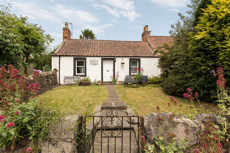 2 Bedrooms Bungalow for sale in Meadow Road, Barnyards, Kilconquhar, Leven, KY9 1PD
